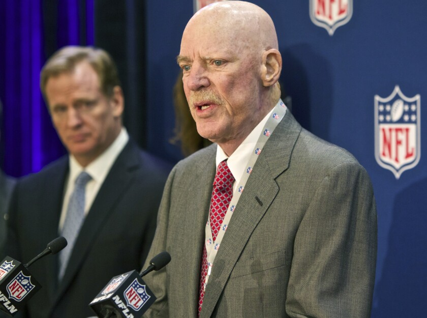 Houston Texans owner Bob McNair speaks at a news conference in 2014.