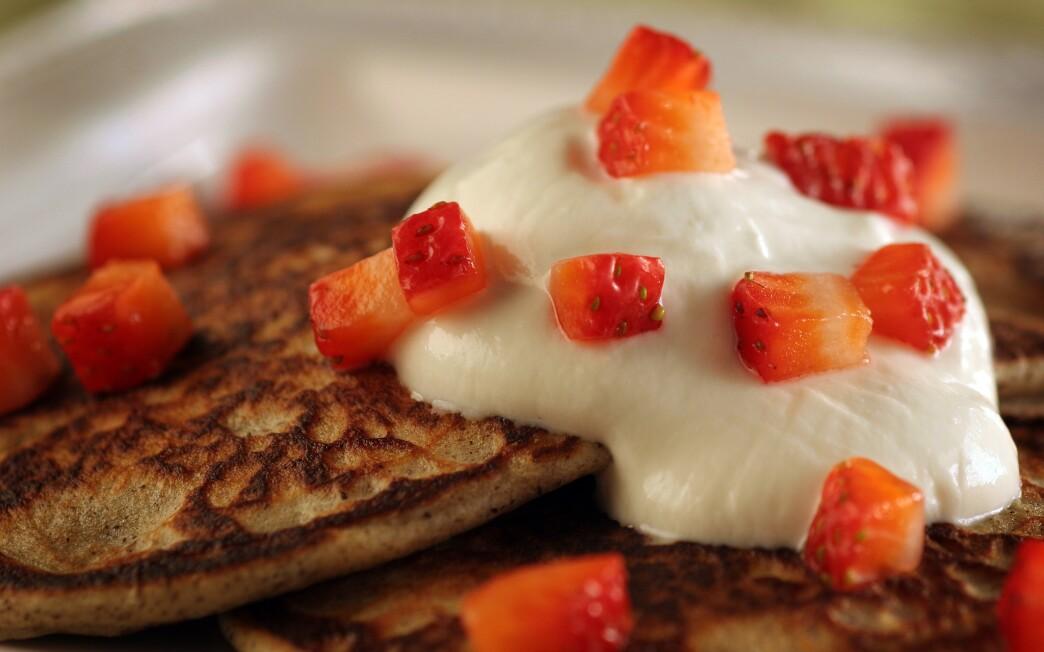 Buckwheat blini with Greek yogurt and strawberries