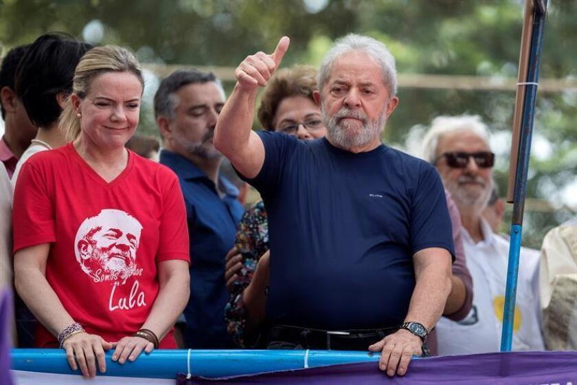 """Casi una treintena de legisladores pidieron hoy que se garantice el debido proceso para el expresidente de Brasil Luiz Inácio Lula da Silva y se opusieron a la """"intensificación de los ataques contra la democracia y los derechos humanos"""" en el país. EFE/ARCHIVO"""