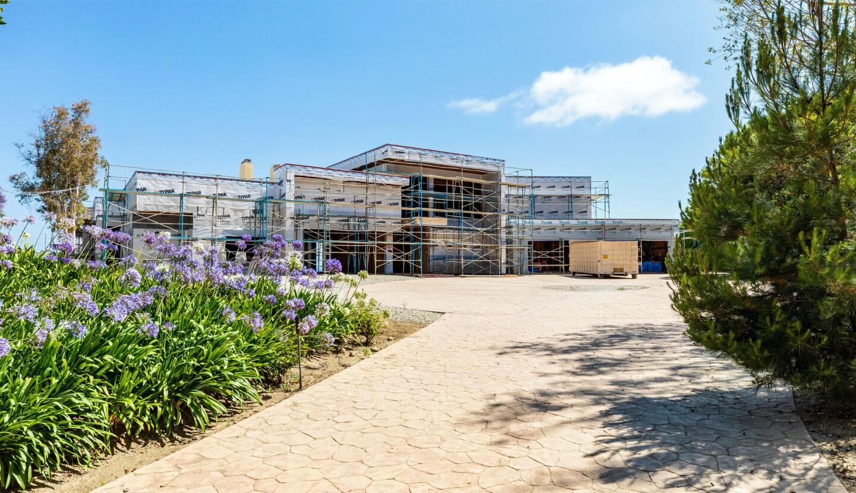 Kevin Garnett's Malibu compound | Hot Property