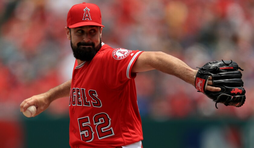 Albert Pujols comes out swinging but Angels fall to Mariners, 9-4