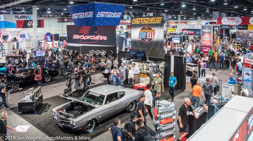 01734-20181101-02 SEMA Show-Ford+art+Hot Wheels+Ford Out Front pyro+LVCC construction+Continental+SEMA Cruise & Ignited-Nitro Circus+Super Charger-D5