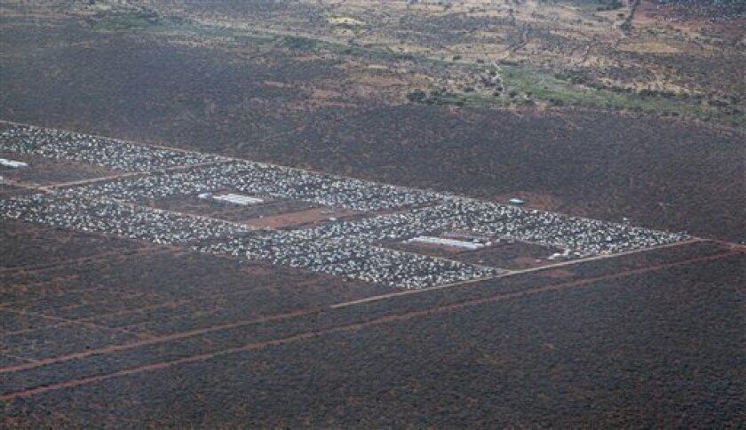 El programa de repatriación para cientos de miles de refugiados somalíes que viven en el campo de desplazados más grande del mundo no cumple los estándares internacionales para el retorno voluntario porque está marcado por el miedo y la intimidación de las autoridades de Kenia, dijo Human Rights Watch.
