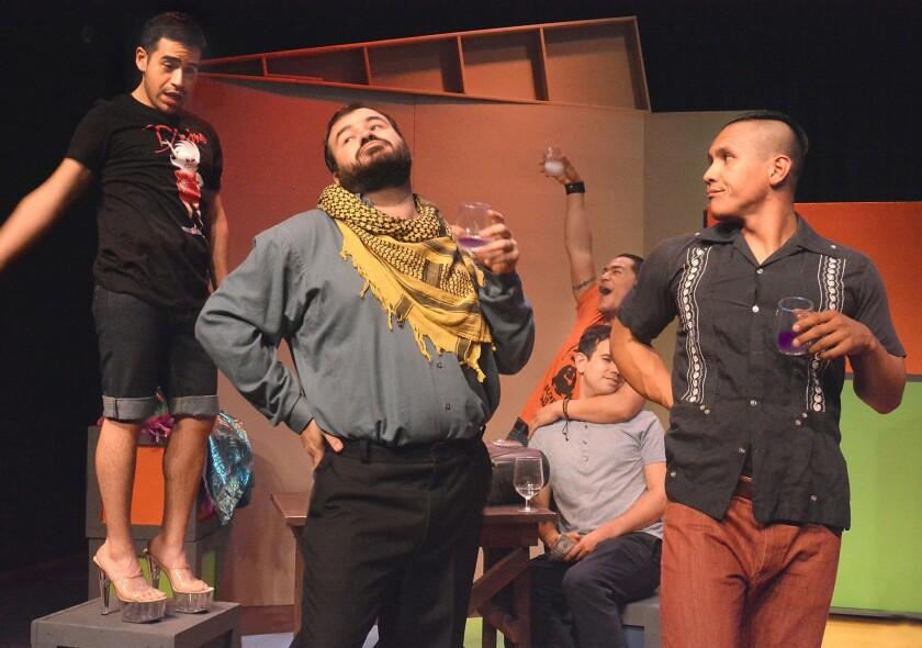 """Una escena de """"When Boyz Cry"""", uno de los mejores segmentos del montaje """"Brown & Out"""", que se presenta desde el viernes en CASA 0101."""