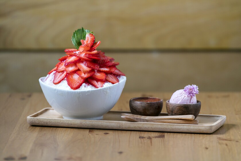 Strawberry shaved ice set at Spoon by H