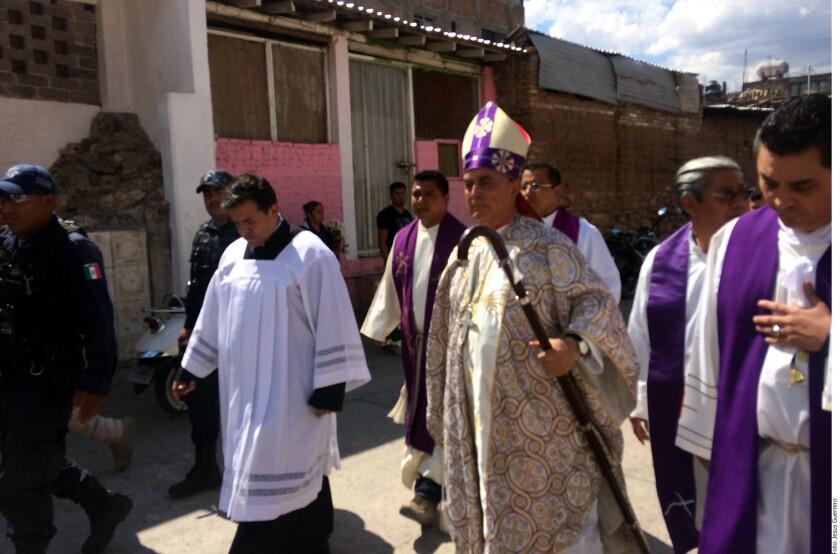 """El Obispo de la Diócesis Chilpancingo-Chilapa, Salvador Rangel, acusó una """"guerra sucia"""" en contra del sacerdote asesinado Germain Muñiz, a quien la Fiscalía estatal señala de estar relacionado con la delincuencia organizada."""
