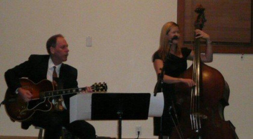 Bruce Forman and Kristin Korb (Photo: Tanys Evangelisti)