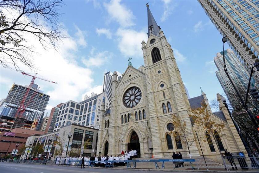 Dos guardias de seguridad fueron acusados hoy del robo de unos 100.000 dólares donados por los fieles de la catedral católica Holy Name (Santo nombre) de Chicago. EFE/Archivo
