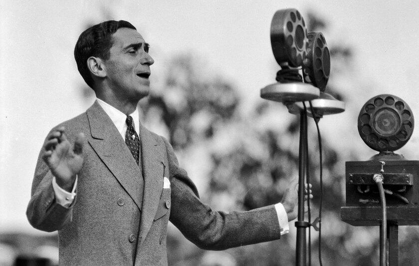 Irving Berlin sings in Los Angeles in 1928