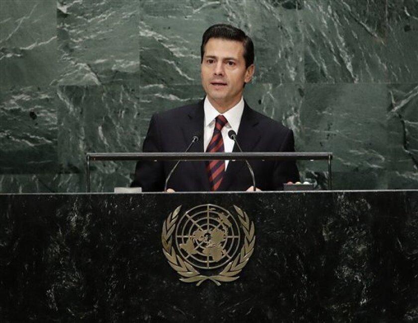 Expertos y activistas acusaron el martes al gobierno del presidente mexicano Enrique Peña Nieto de violar los derechos humanos de miles de centroamericanos que ingresan en México huyendo de la violencia de sus países natales.