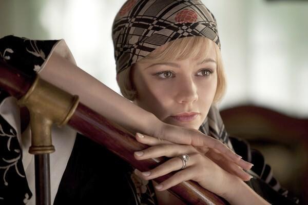 Carey Mulligan plays Daisy Buchanan.
