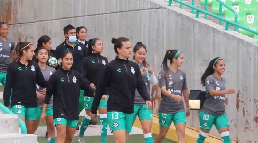 La desigualdad salarial entre varones y mujeres en el futbol mexicano es abrumadora.