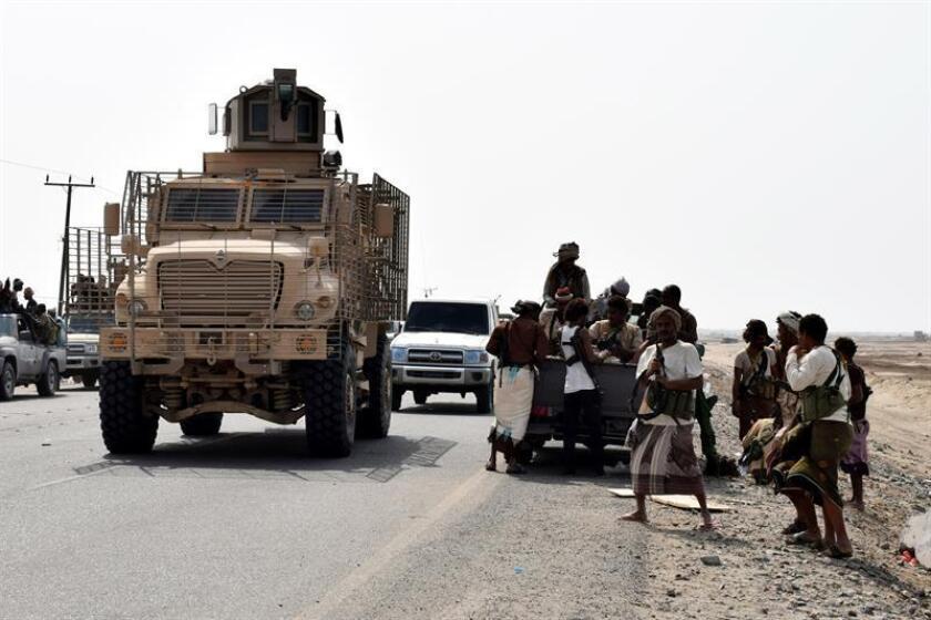 Fuerzas gubernamentales yemeníes participan en toma de posiciones en la ciudad portuaria de Al Hudeida, Yemen. EFE/Archivo