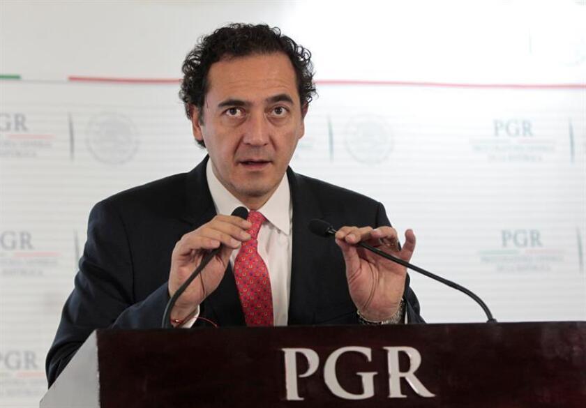 El encargado del despacho de la Procuraduría General de la República (PGR), Alberto Elías Beltrán, habla en conferencia de prensa. EFE/Archivo/MÁXIMA CALIDAD DISPONIBLE