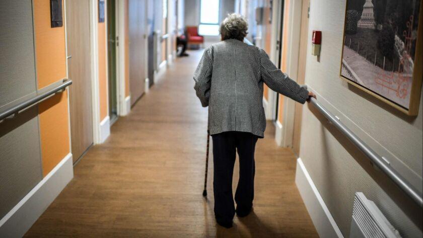 FRANCE-HEALTH-ELDERY-EHPAD-EMPLOYMENT-SOCIAL