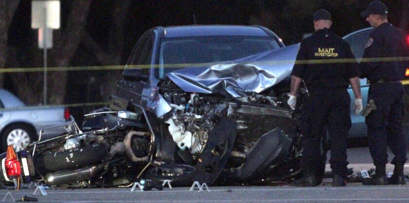 Covina motorcycle police officer killed in crash - Los