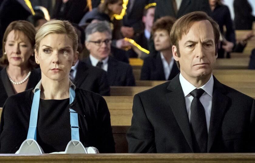 En los nuevos episodios de Better Call Saul se verá al abogado sobrellevar el año de suspensión de su trabajo, por lo que probablemente no tomará nuevos clientes, pero sí explorará más su relación con personajes como Gus Fring.