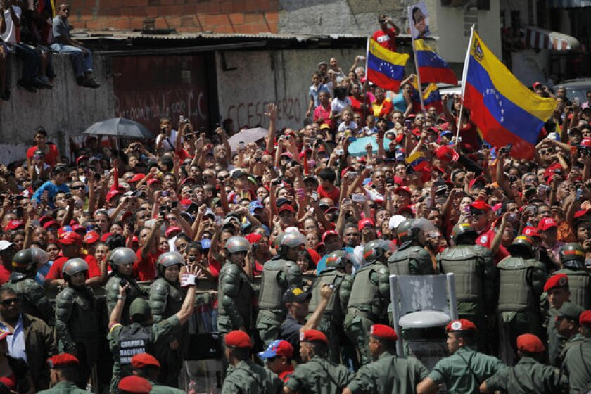 U.S. to send delegation to Chavez funeral