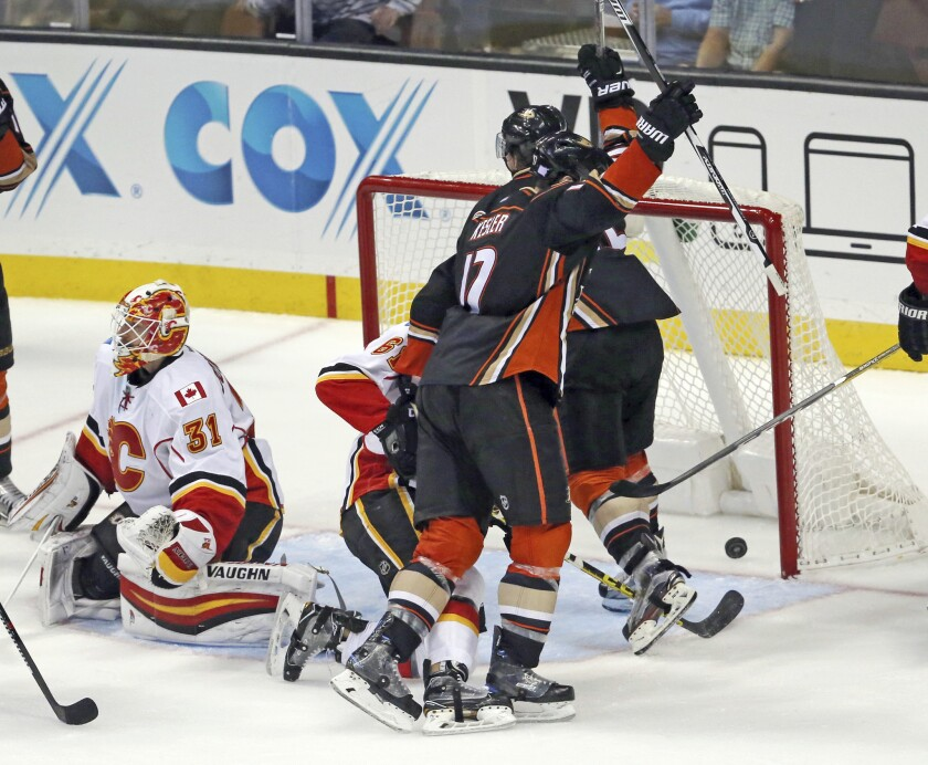 Ryan Kesler, Chad Johnson