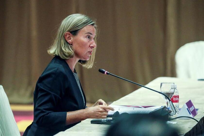 """El Gobierno rechazó hoy el anuncio de la Unión Europea sobre un nuevo paquete de ayuda para Irán valorado en 18 millones de euros (20,7 millones de dólares), lo que a juicio del Gobierno estadounidense """"envía el mensaje equivocado en el momento equivocado"""". La jefa de la diplomacia europea, Federica Mogherini. EFE/ARCHIVO"""