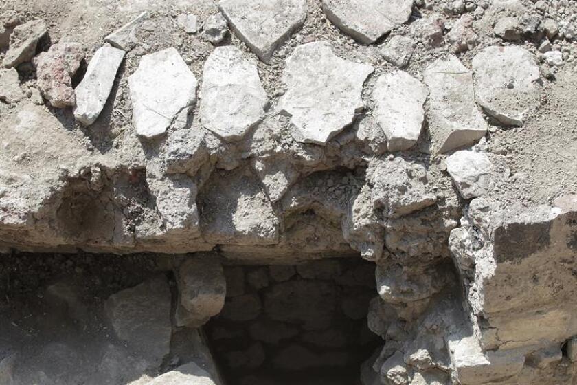 Detalle de la estructura hallada de un templo dedicado a Ehécatl-Quetzalcóatl hoy, miércoles 30 de noviembre de 2016, en Ciudad de México (México). EFE