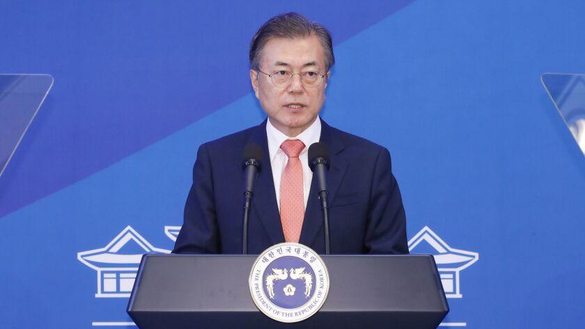 South Korean President Moon meets with top military officials, Seoul, Korea - 27 Jul 2018