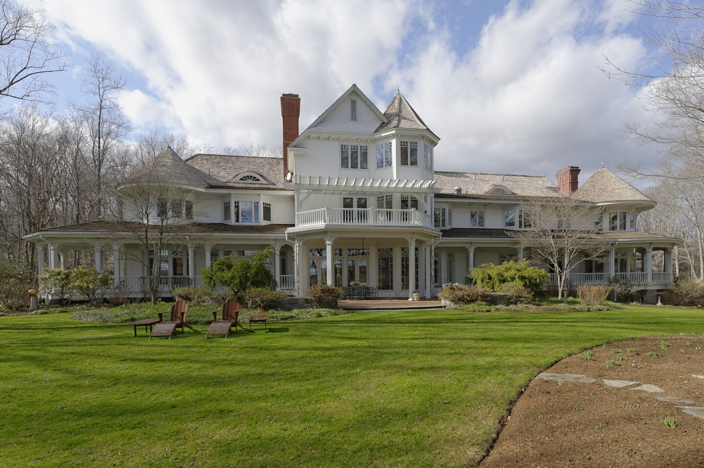 Director Ron Howard has put his 32-acre estate and farm, which straddles Greenwich, Conn., and Westchester, N.Y., up for sale at $27.5 million.