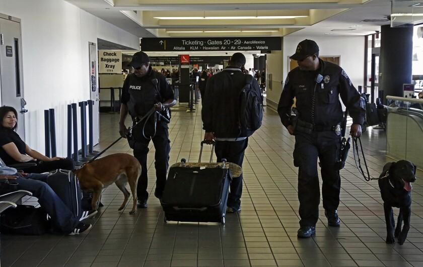 LAX shooting: Gunman targeted TSA officers, wrote anti-government