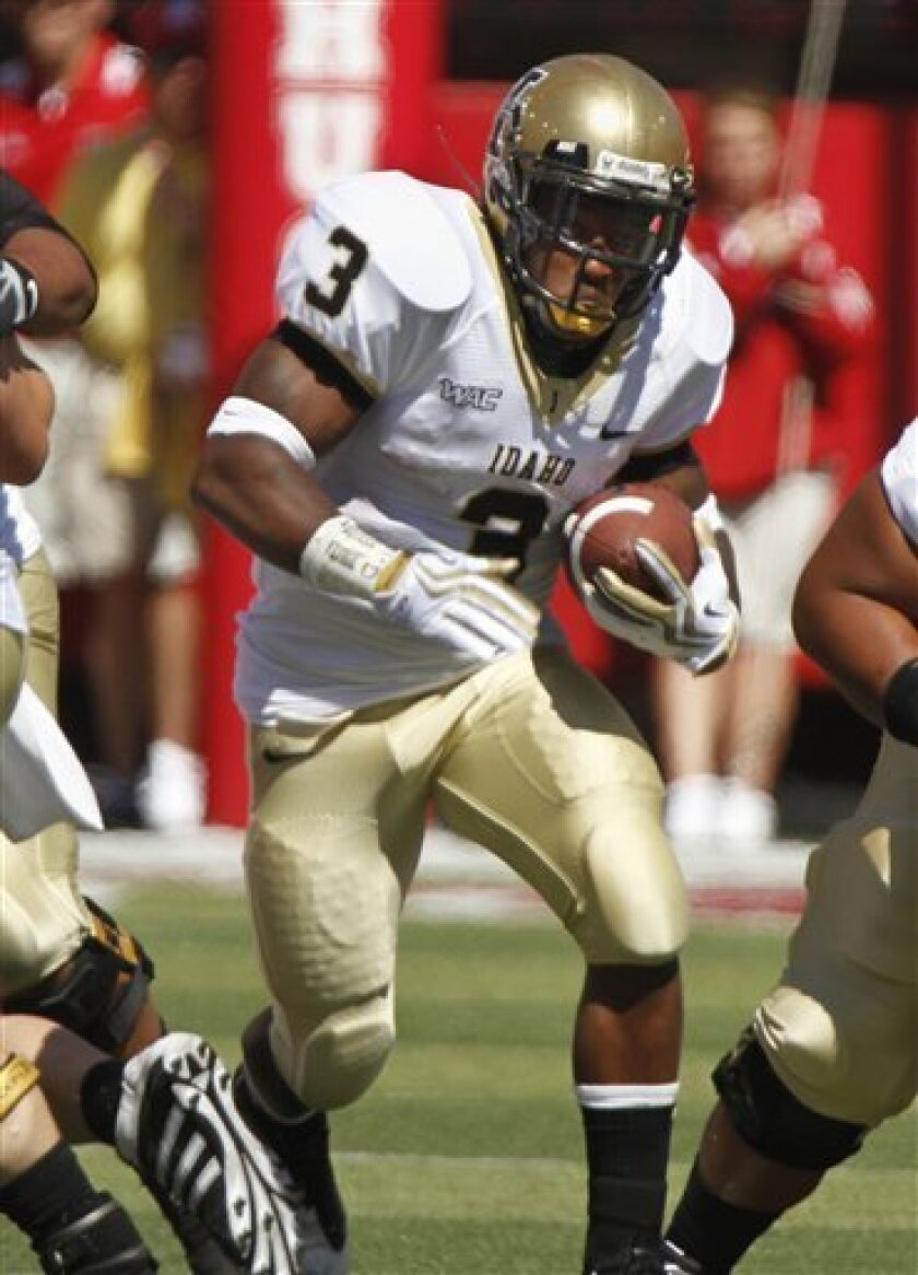 Idaho's Deonte Jackson (3) carries the ball against Nebraska in the first half of their NCAA college football game in Lincoln, Neb., Saturday, Sept. 11, 2010. (AP Photo/Nati Harnik)