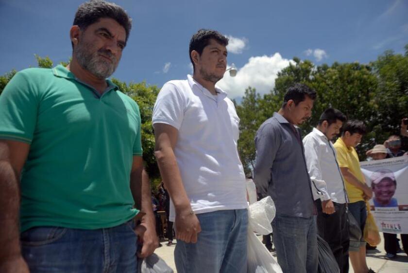 Pobladores liberan a policías retenidos desde el 18 de julio en México