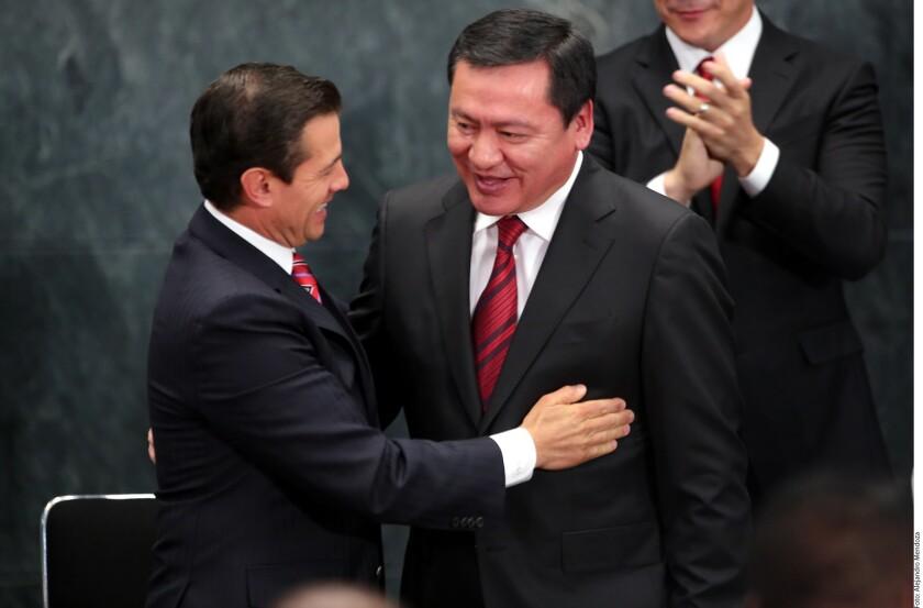 El Presidente Enrique Peña agradeció la lealtad y el profesionalismo con los que dijo se ha comportado Miguel Ángel Osorio Chong al frente de la Secretaría de Gobernación (Segob).