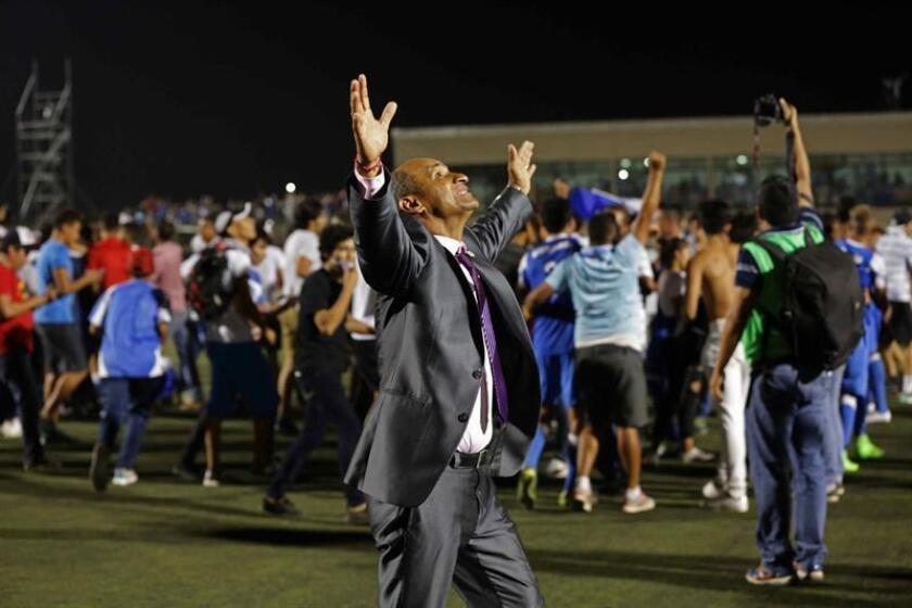 En la imagen, el entrenador de Nicaragua, el costarricense Henry Duarte. EFE/Archivo