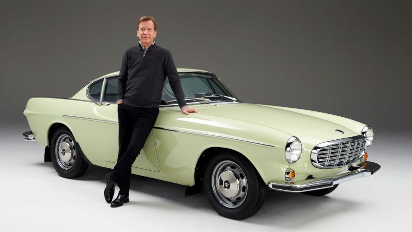 沃尔沃汽车集团总裁兼首席执行官汉肯·塞缪尔森与1967款沃尔沃1800 S老爷车å