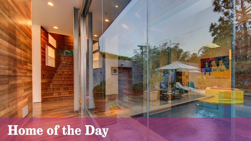 Home of the Day: Contemporary chameleon in Hancock Park