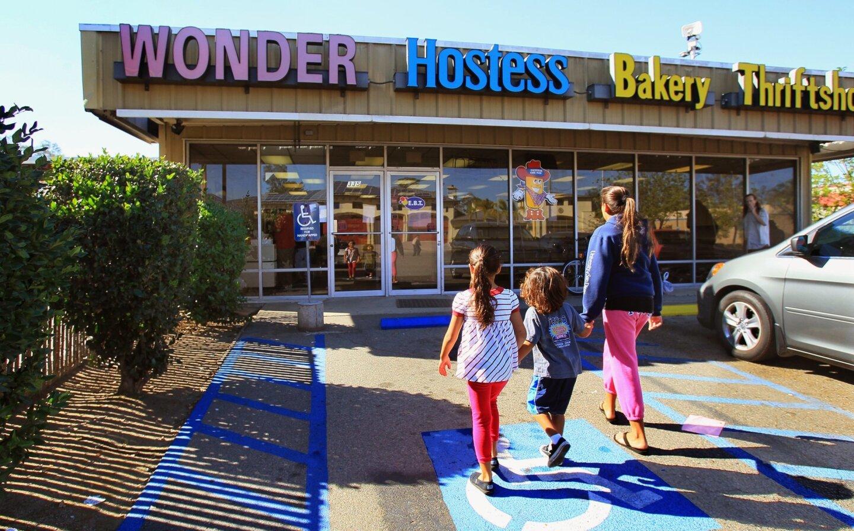 Hostess closes outlet store - The San Diego Union-Tribune