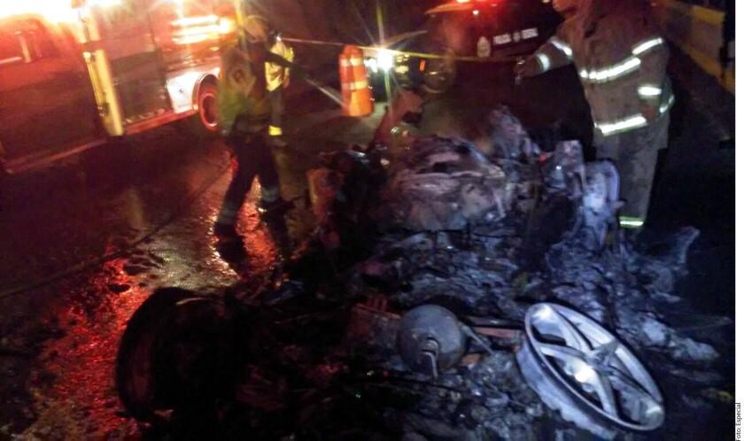 El conductor del Ferrari que se estrelló la noche del lunes en el kilómetro 222 de la Autopista del Sol, huyó después del choque auxiliado por sus escoltas.