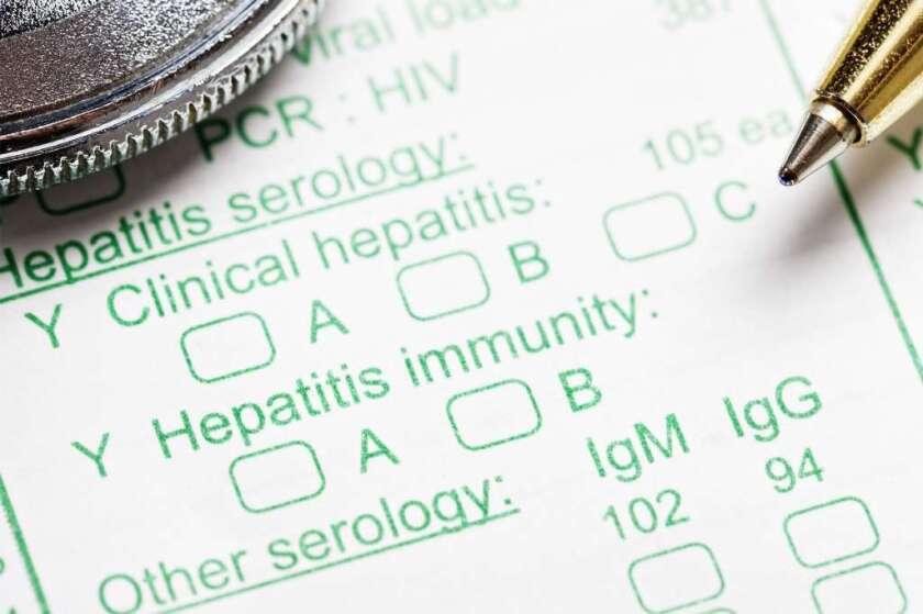 ¿Piel amarilla y cansancio? Los 10 síntomas de la Hepatitis C que no debe ignorar
