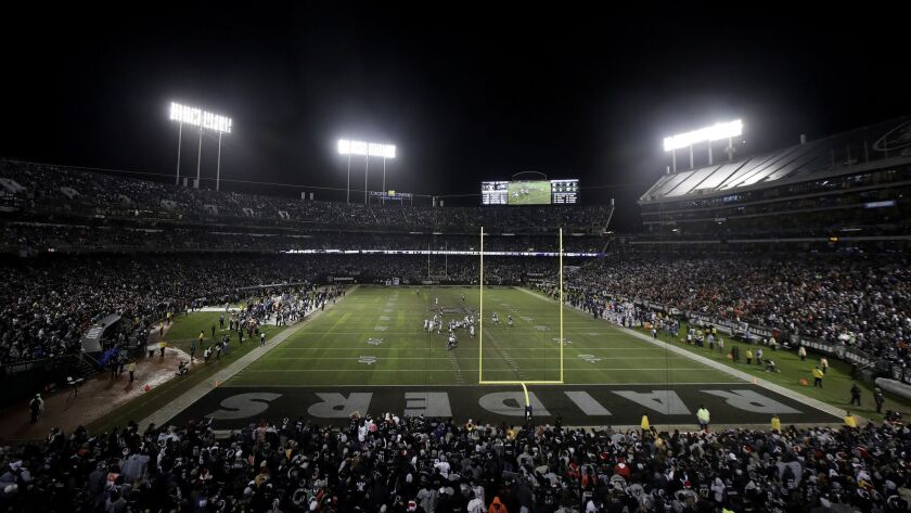 half off 2636a 5e089 Raiders reportedly reach agreement to play at Oakland ...