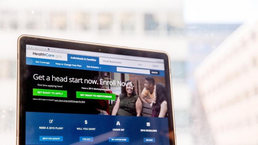 """Bajo la Ley del Cuidado de Salud a Bajo Precio (ACA), conocida popularmente como """"Obamacare"""", el Gobierno puso en marcha el 1 de noviembre el tercer período de inscripción en los planes médicos, que se extenderá hasta el 31 de enero."""