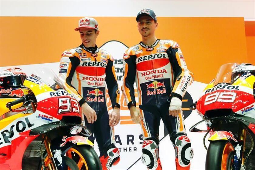 Los españoles Marc Márquez y Jorge Lorenzo, integrantes del equipo Repsol Honda para el campeonato del mundo de MotoGP de 2019. EFE/Archivo