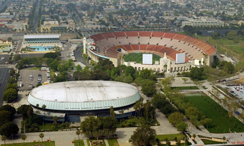 L.A. Coliseum panel drops free-tickets provision from USC deal