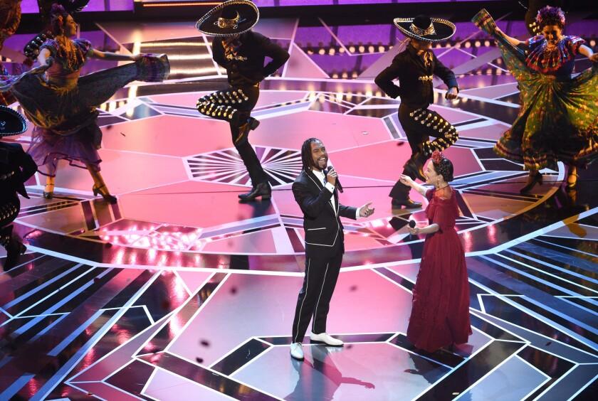 """Miguel y Natalia Lafourcade participaron igualmente en el acto relacionado al filme """"Coco""""."""