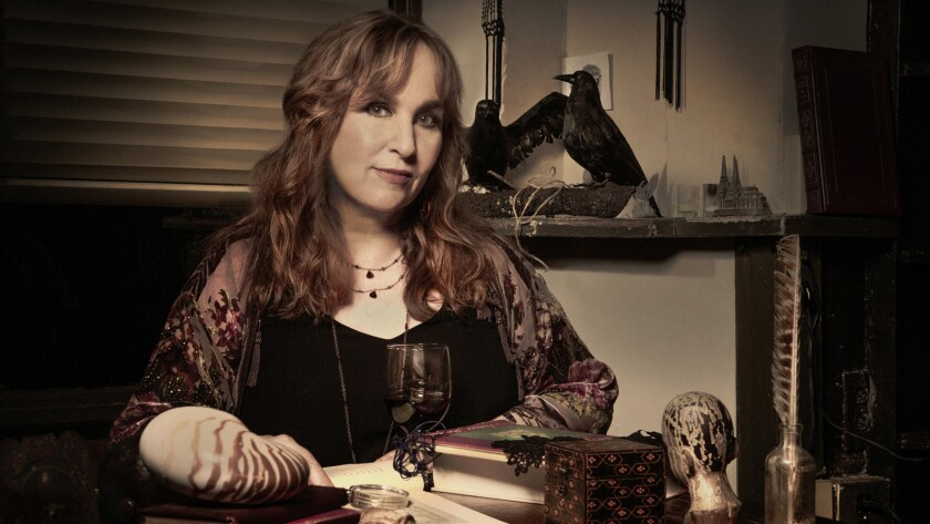 """Gretchen Peters examines mortality and love on her striking """"Blackbirds,"""" with the aid of a variety of artists. The Nashville singer's album is due out Feb. 10."""