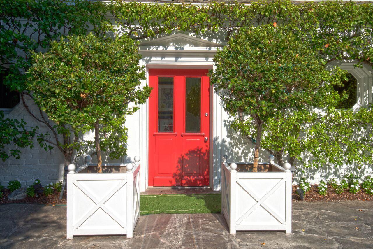 Leland Fuller-designed home in Outpost Estates | Hot Property