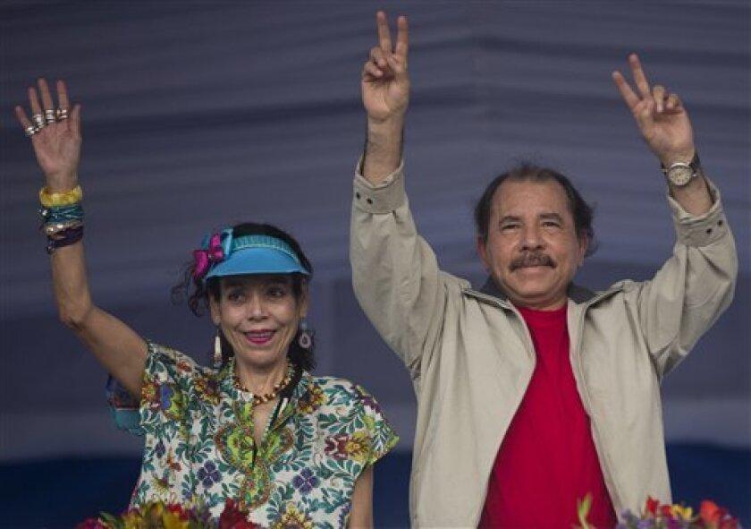 Con su triunfo ayer en los comicios, el líder histórico del Frente Sandinista de Liberación Nacional (FSLN) rebasar· en 2018 los 16 años en el poder, con lo que romper· la marca del dictador Anastasio Somoza, a quien ayudó a derrocar, y del caudillo liberal José Santos Zelaya.