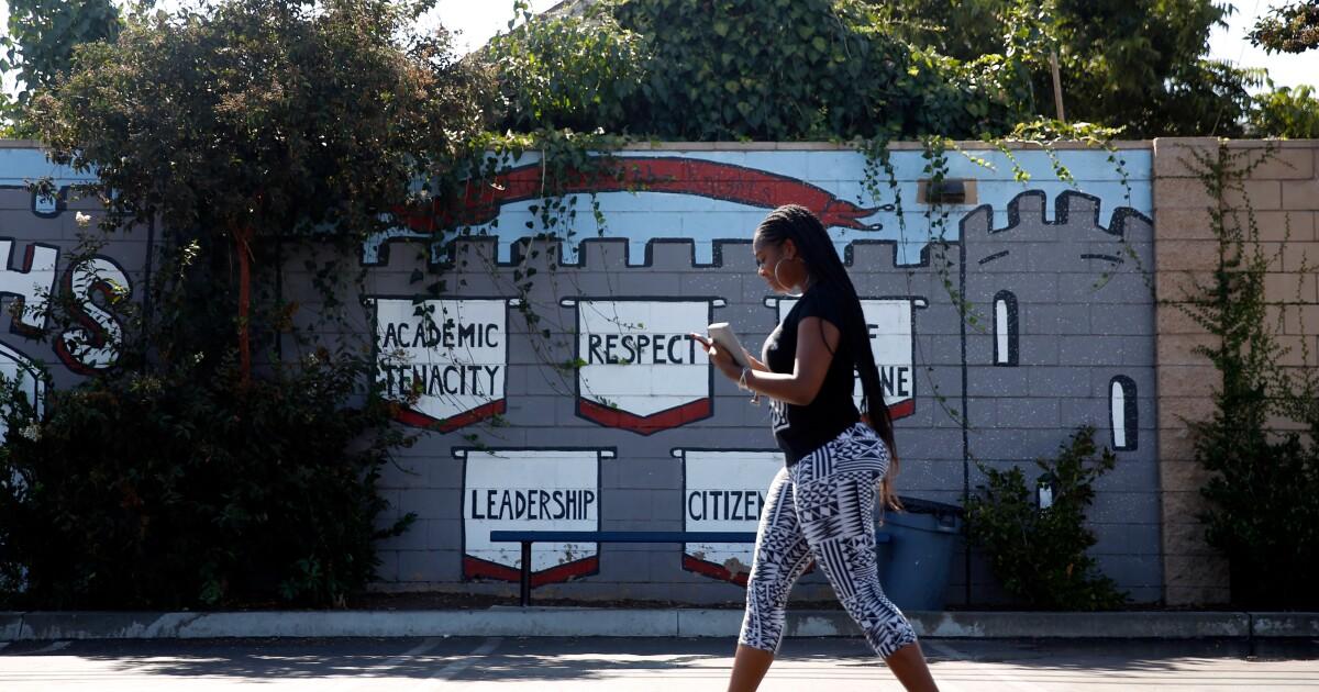 Nipsey Hussle tewas di samping sekolah. Kematiannya masih menghantui siswa