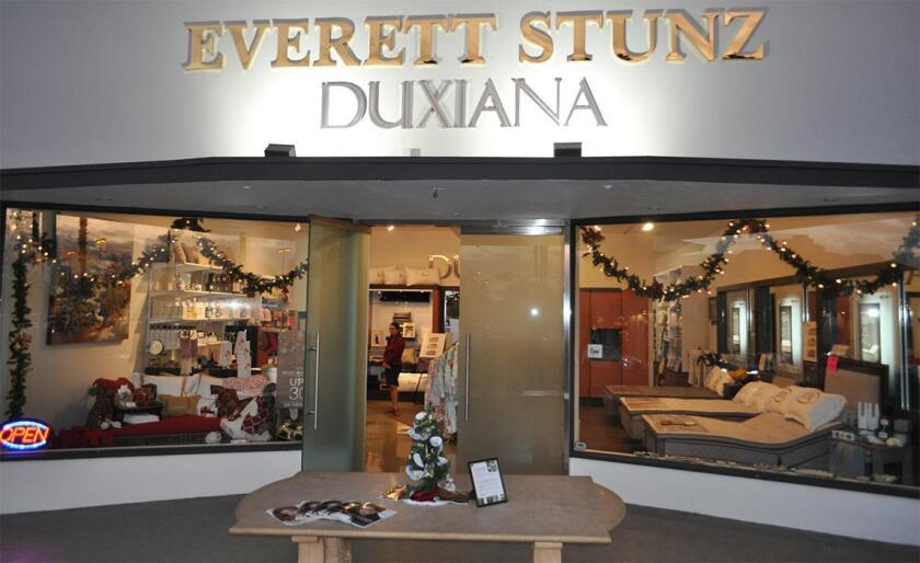 Everett Stunz has a new location: 7547 Girard Ave. in the Village of La Jolla.
