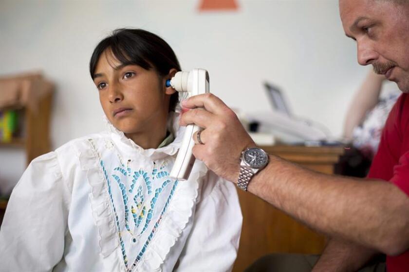 Exponer a un niño a altos niveles de ruido puede dañar la audición, lo que conlleva al retraso en el desarrollo del habla y de la comunicación y, en casos extremos, a su impedimento, advirtió hoy la otorrinolaringóloga pediatra Iris Rentería. EFE/EPA/ARCHIVO/NO USAR EN HUNGRÍA