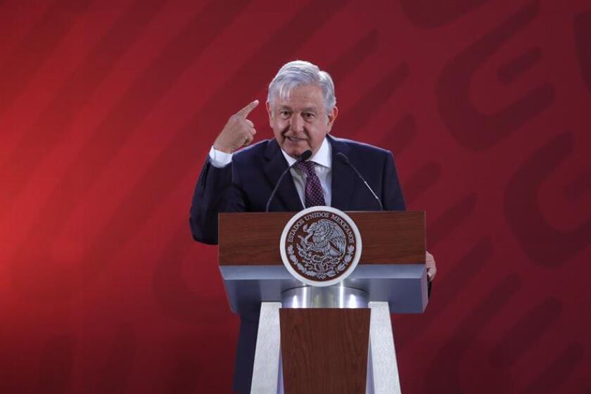 El presidente de México, Andrés Manuel López Obrador, habla durante una rueda de prensa en el Palacio Nacional, en Ciudad de México (México). EFE/Archivo