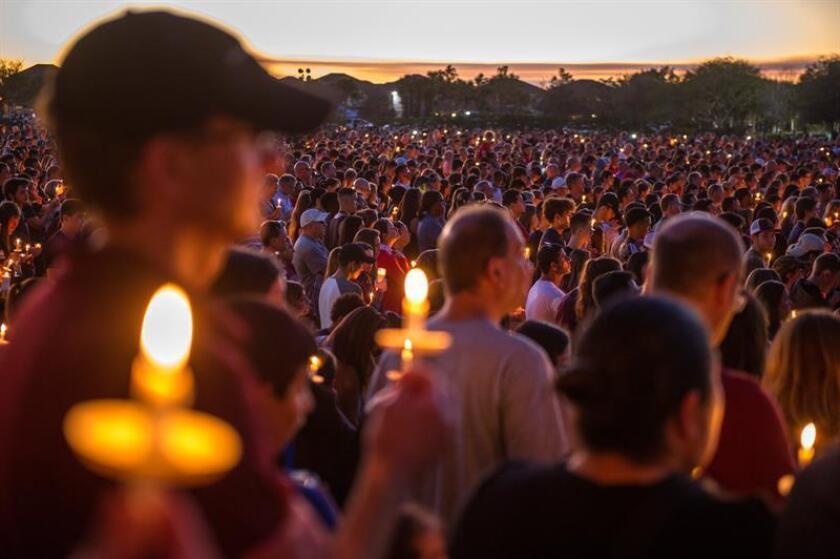Los estudiantes de la escuela secundaria de Parkland, en el sur de Florida, donde esta semana ocurrió una matanza, anunciaron hoy una marcha nacional y una concentración en Washington para el próximo 24 de marzo, con el fin de pedir un mayor control de armas. EFE/ARCHIVO